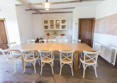 Casa Rural Monfragüe 9. salon mesa abierta pb